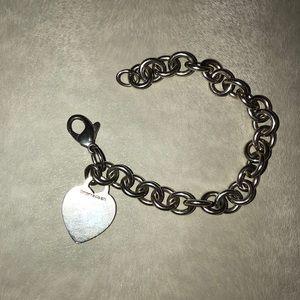 Tiffany & Co. chain heart bracelet